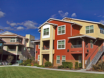 Photo: The Lexington Apartments outdoor photograph; link opens a larger version of the photograph